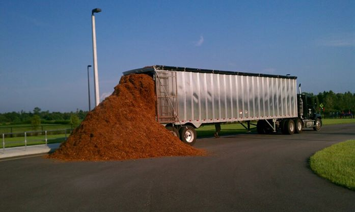 red mulch semi